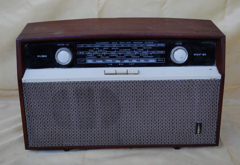 Bush VHF81