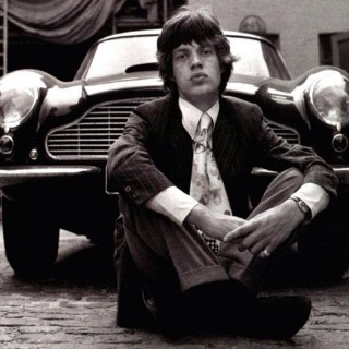 Mick Jagger & his snazzy Aston DB6 (1966)