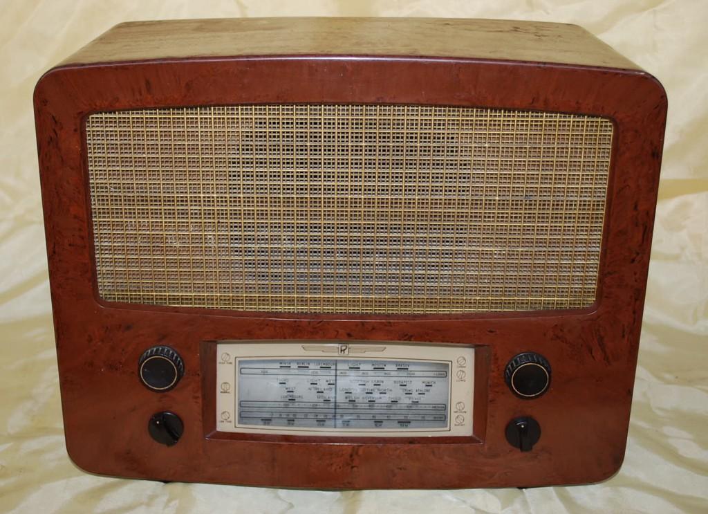 Radio Rental 204 AC