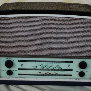 Radio Rentals 232